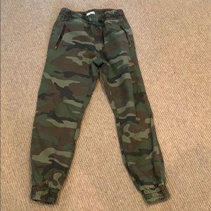 Pants - Camo joggers